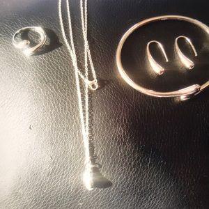 Jewelry - Brand New Eardrop Water Drop Set Price Firm